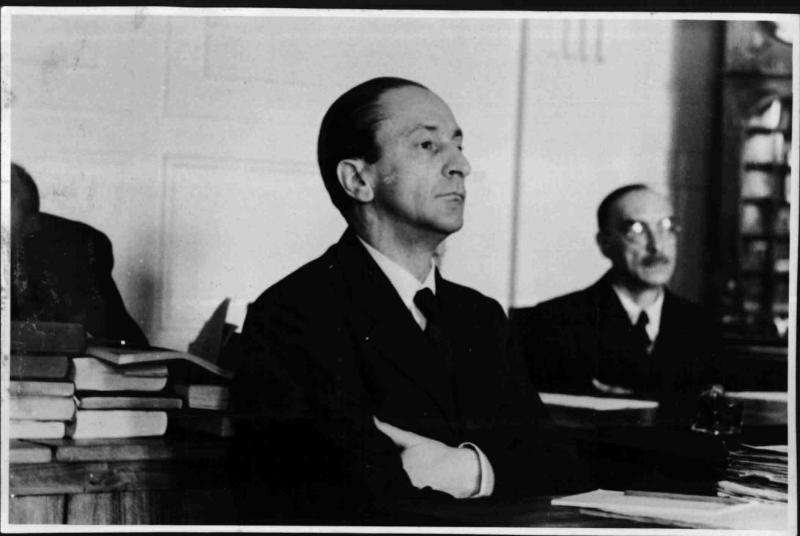 Guido Schmidt vor dem Volksgericht von Fibinger, Max