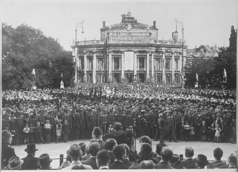 Südtirolkundgebung auf dem Rathausplatz