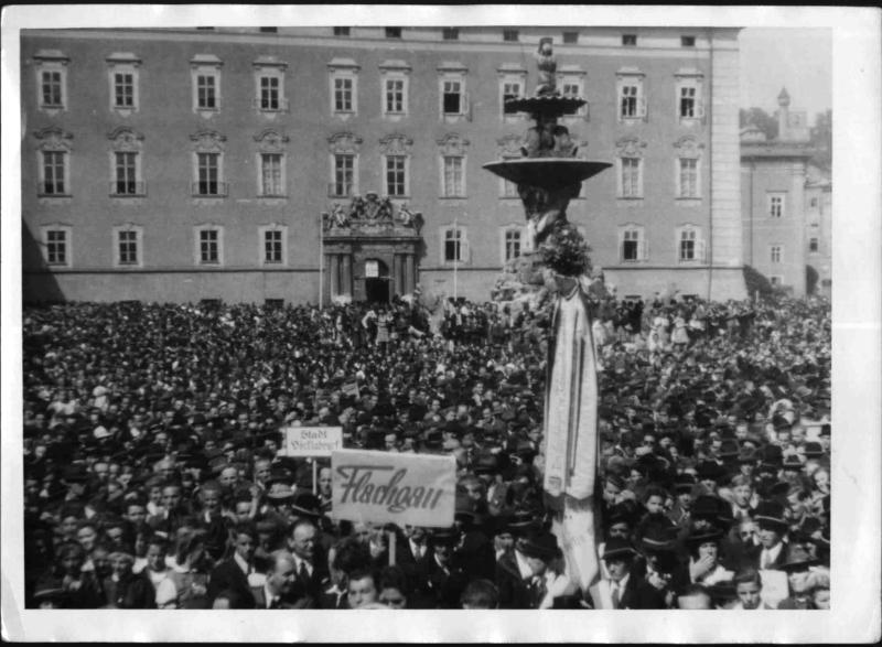 Kundgebung für Südtirol in Salzburg von Obransky, Wilhelm