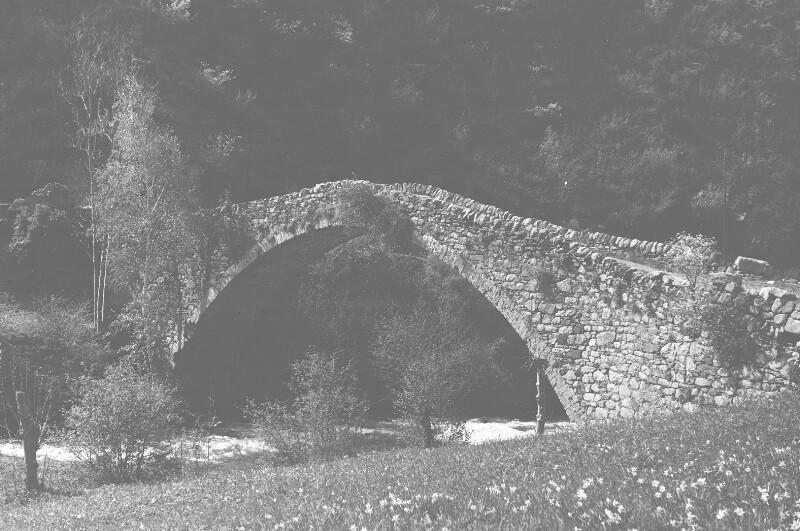 Alte Steinbrücke von Heydecker, Joe J.