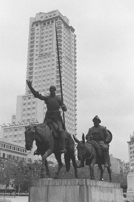 Denkmal der Romanfigur Don Quixote von Heydecker, Joe J.
