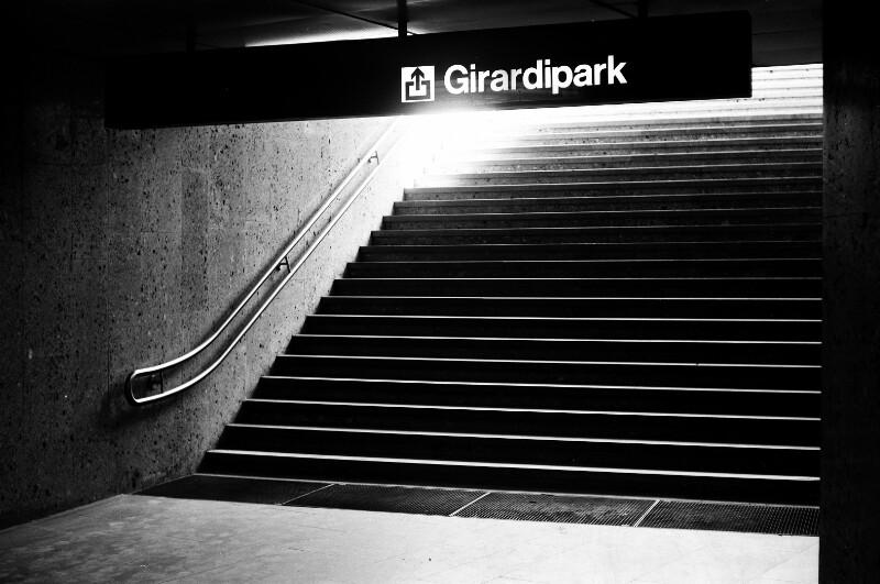 U-Bahn Station Karlsplatz von Heydecker, Joe J.