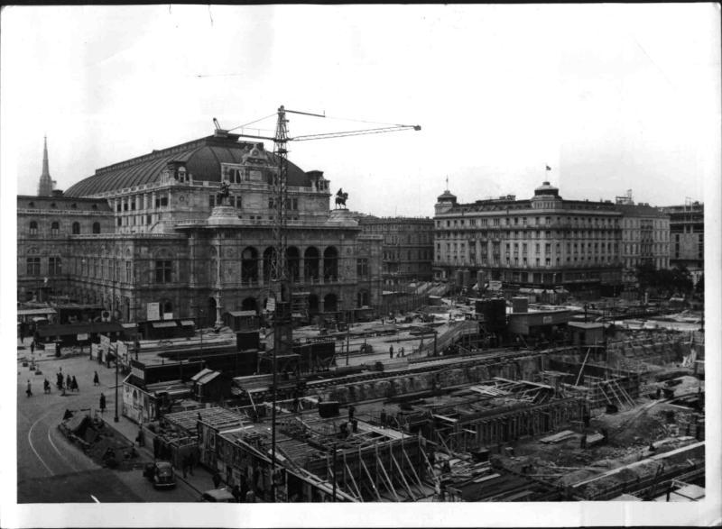 Abbruch des Heinrichshof und Neugestaltung der Opernkreuzung