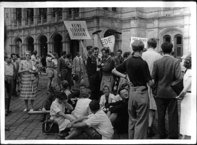 Streik der Studenten in Wien von Hilscher, Albert