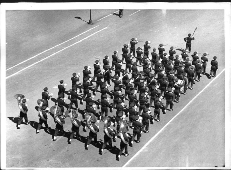 Die letzte Alliierte Parade in Wien von Hilscher, Albert