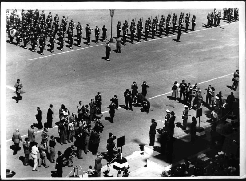 Die letzte Alliierte Muilitärparade in Wien von Hilscher, Albert