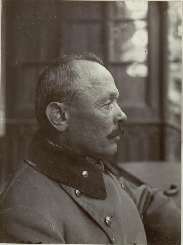 Feldmarschall Svetozar Boroevic von Bojna, General der Infanterie, Kommandeur der 5. Armee, Profilaufnahme mit Mantel von K.u.k. Kriegspressequartier, Lichtbildstelle - Wien