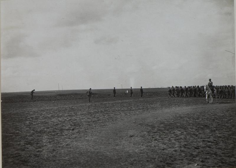 Inspizierung des III.Baons des Inf. Rgts.Nro.3 in PRZEWLOKA durch den Armeekommandanten PFLANZER-BALTIN. von K.u.k. Kriegspressequartier, Lichtbildstelle - Wien