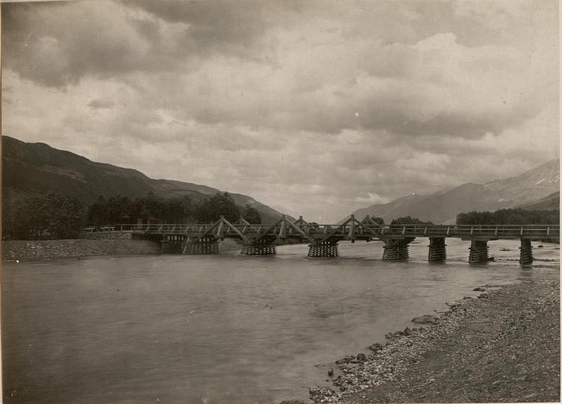 Brücke über die Gail bei ober Döberitzen im Gailtale.Aufgenommen am 7.6.1916. von K.u.k. Kriegspressequartier, Lichtbildstelle - Wien