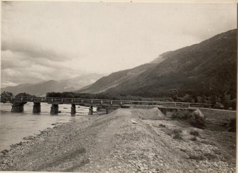 Brücke über die Gail bei ober Döberitzen Gailtale.Aufgenommen am 7.6.1916. von K.u.k. Kriegspressequartier, Lichtbildstelle - Wien