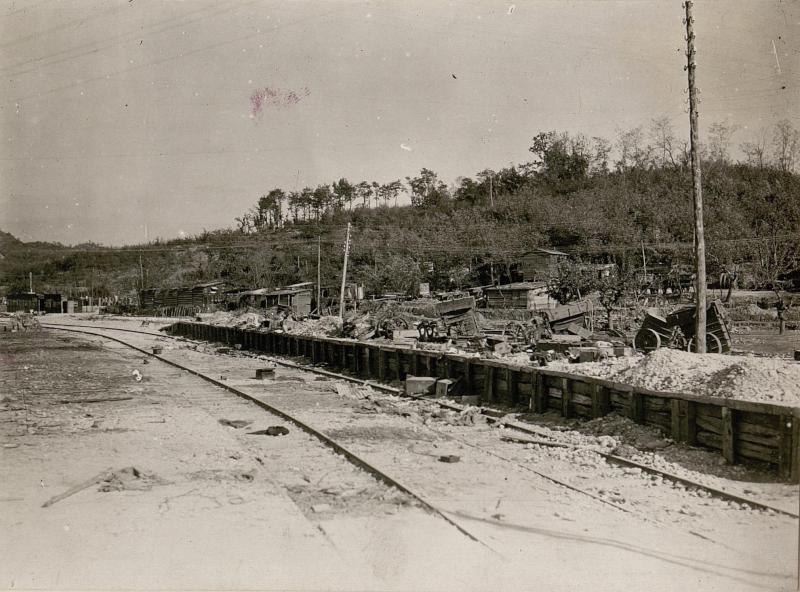 Italienischer Kriegsbahnhof vor Görz. von K.u.k. Kriegspressequartier, Lichtbildstelle - Wien