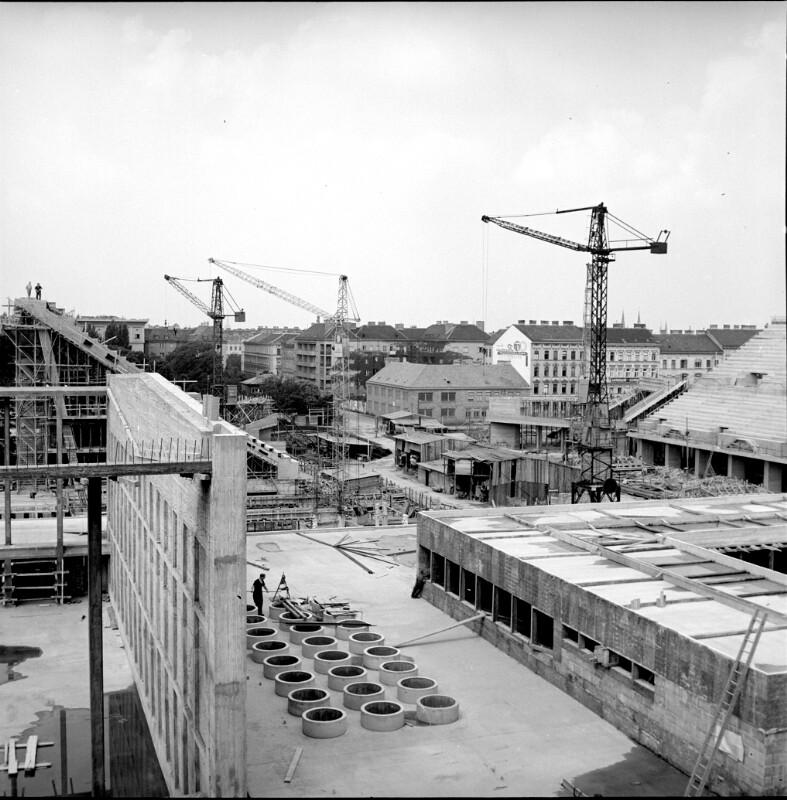 Wien 15, Bau der Wiener Stadthalle