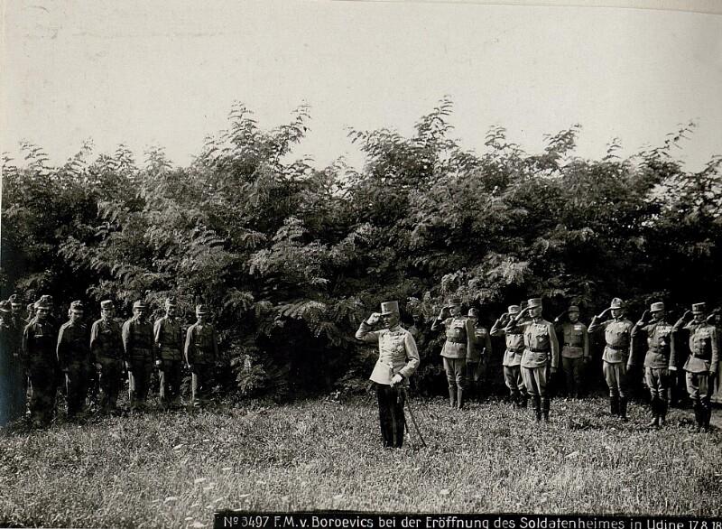Feldmarschall von Boroevic bei der Eröffnung des Soldatenheimes in Udine  von K.u.k. Kriegspressequartier, Lichtbildstelle - Wien