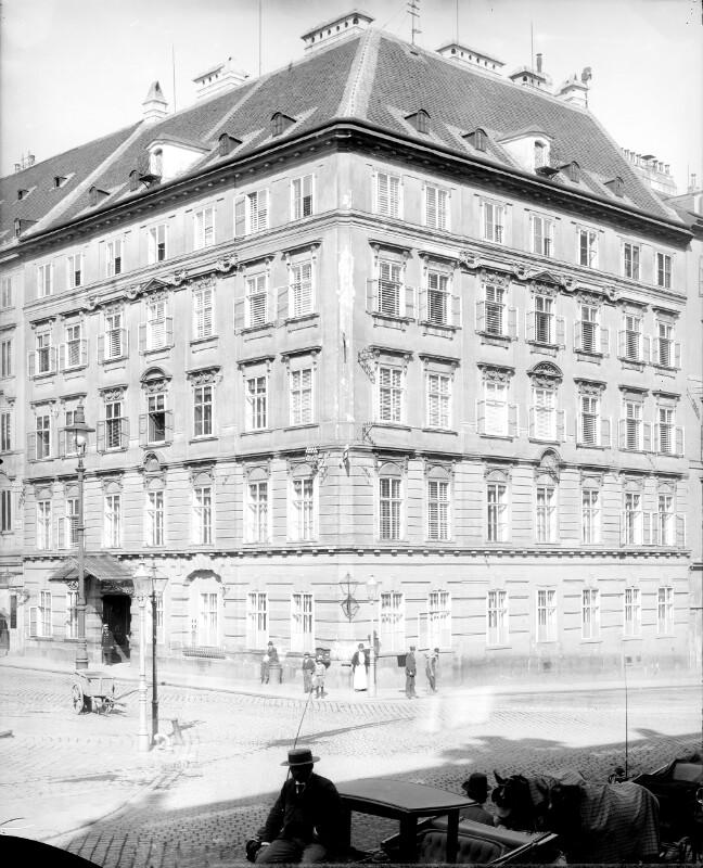 Wien 1, Freyung 8 von Stauda, August