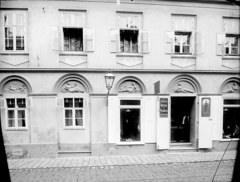 Wien 12, Meidlinger Hauptstraße 11 von Stauda, August