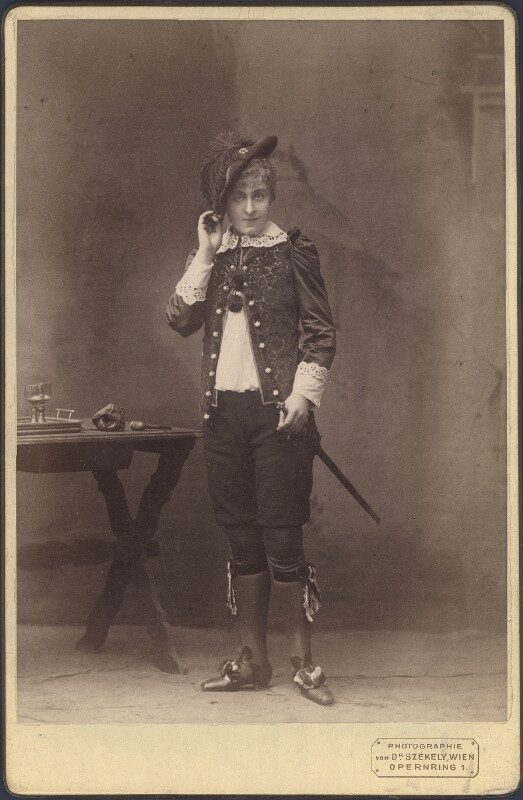 Hohenfels, Stella von Székely, Josef