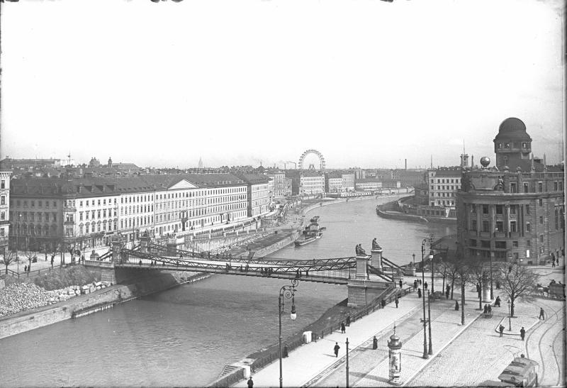 Wien 1, Donaukanal von Holluber, Franz