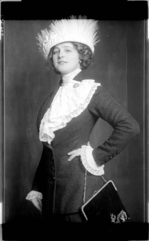 Hedwig Reinau von Madame d'Ora, Atelier
