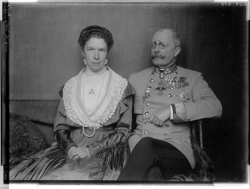 Franz Salvator, Erzherzog von Österreich - Toskana zusammen  mit seiner Gattin Marie Valerie von Madame d'Ora, Atelier