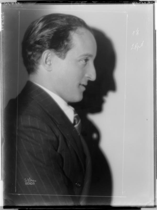 Der Tänzer und Schauspieler Ernst Matray von D'Ora-Benda, Atelier