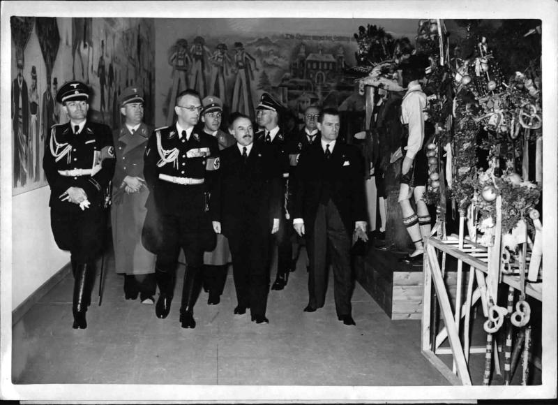 Eröffnung der Ostmark-Ausstellung in Berlin von Weltbild