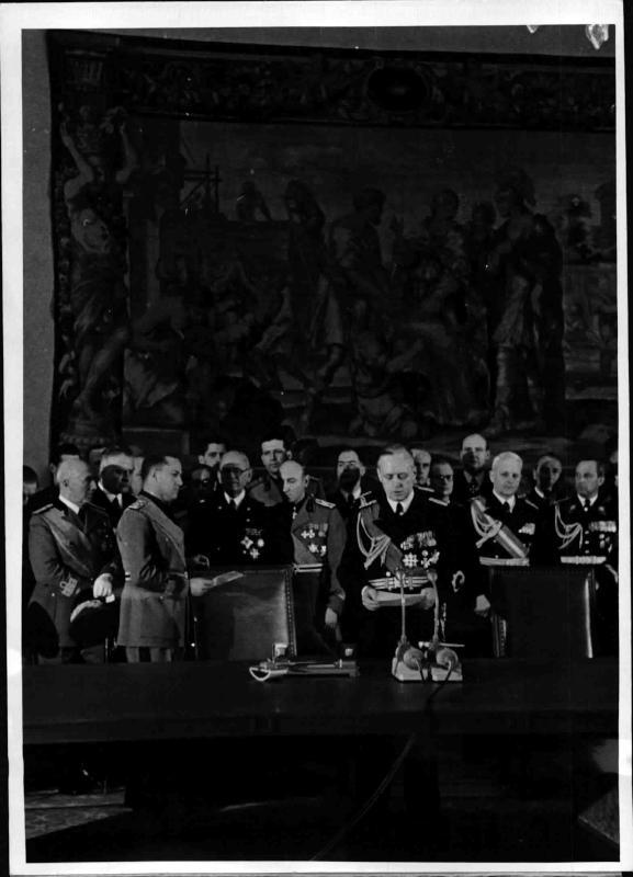 Unterzeichnung des deutsch-italienischen Bündnispaktes in Berlin von Weltbild