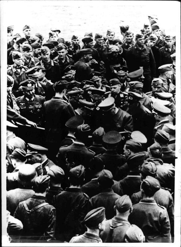 Hitler bei den Soldaten von Weltbild
