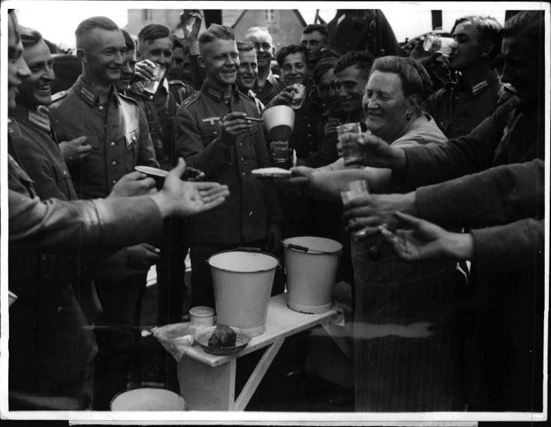 Infanterieregiment aus Döberitz auf neuen Standort, Neustrelitz, verlegt von Weltbild