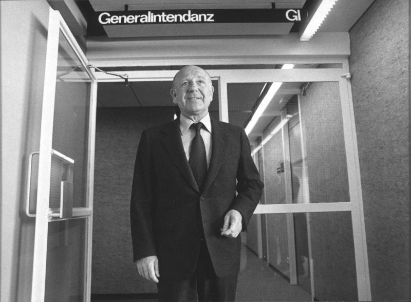 GI Bacher zieht nach seiner Wiederwahl in sein Büro im ORF-Zentrum von ORF