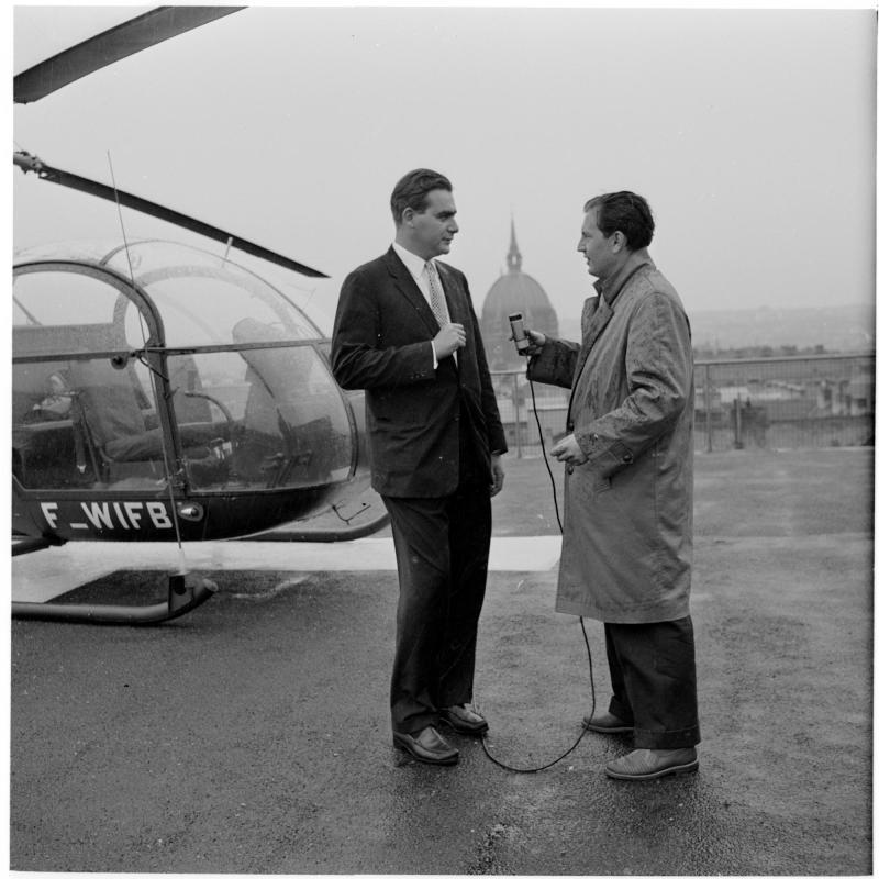 Interview nach der Landung. Hubschrauber am Westbahnhof von Scheidl