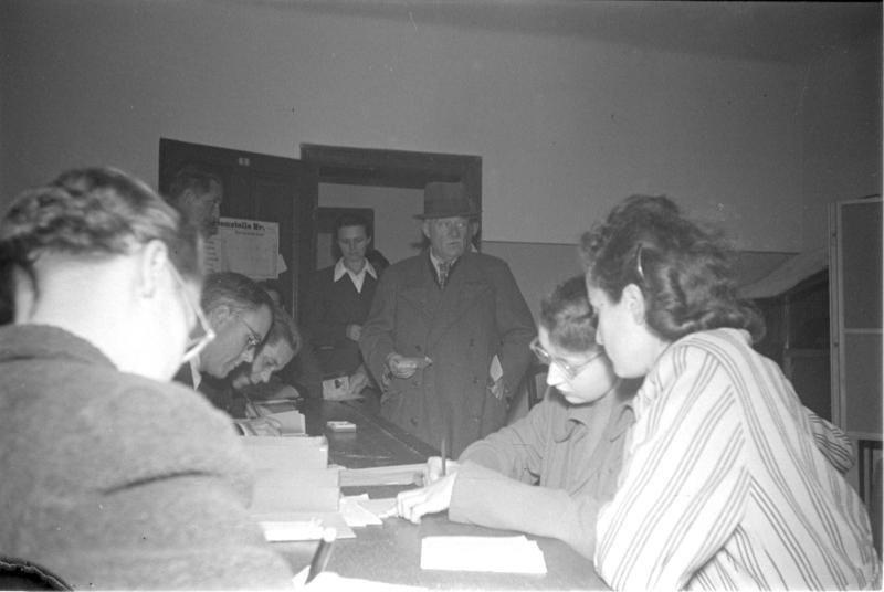 Wahltag in Wien von Kern, Fritz