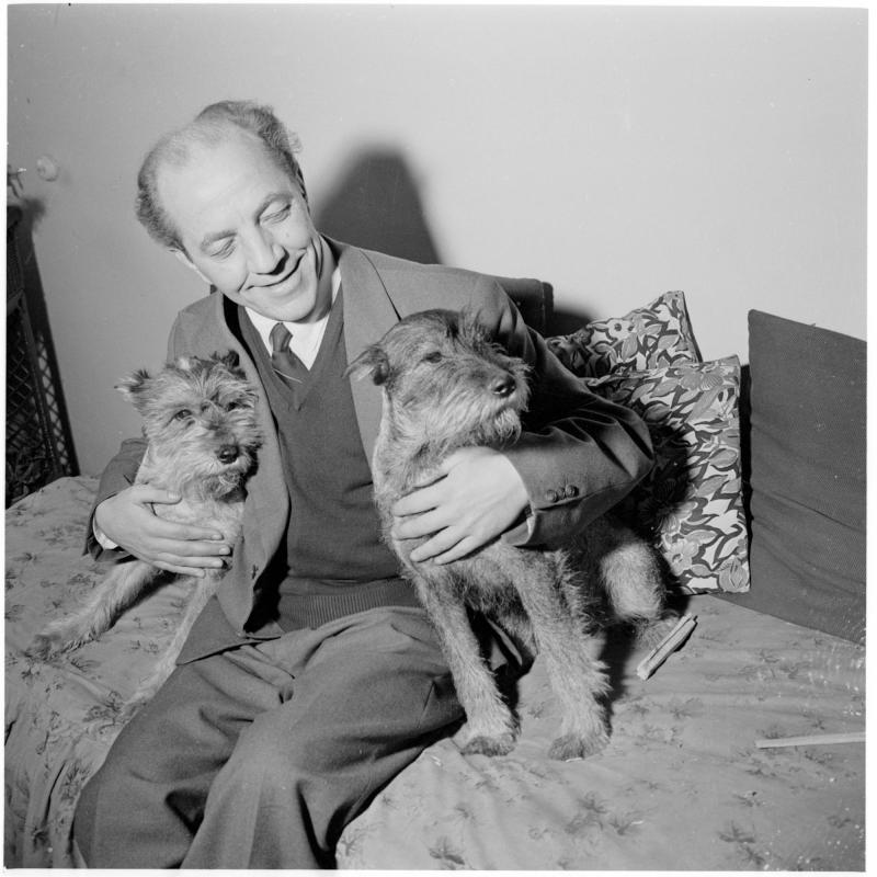 Heinz Sandauer mit seinen Hunden von Scheidl