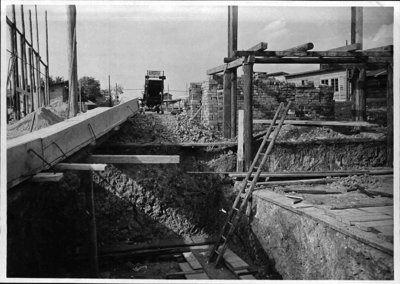 Bau des Senders Bisamberg, Blick aus der Baugrube von ORF