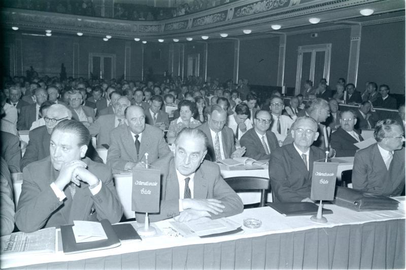 SPÖ-Parteitag 1958, Gäste aus dem Ausland von Kern, Fritz