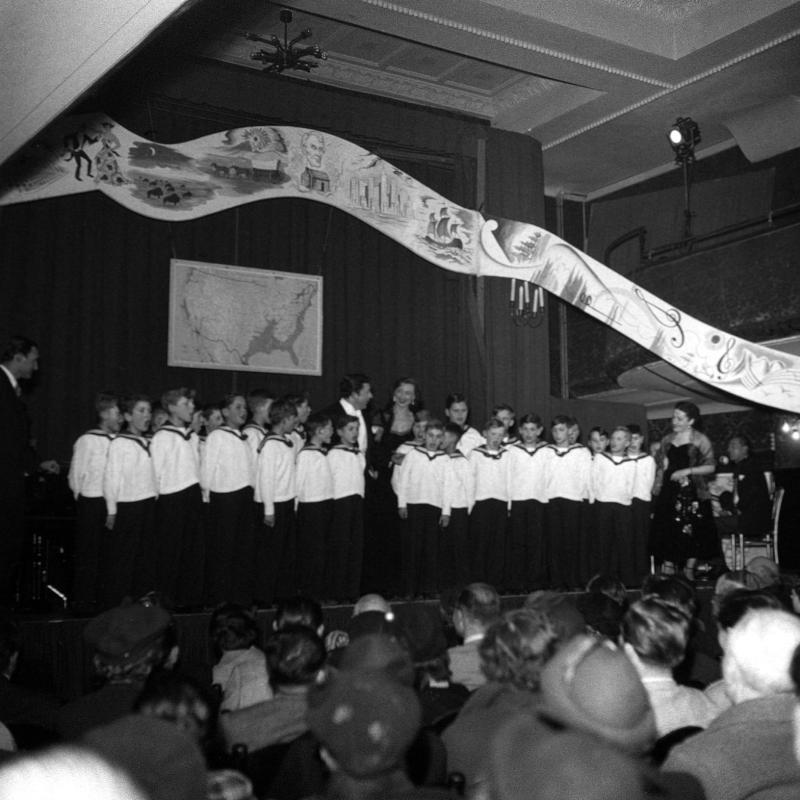 Wiener Sängerknaben von United States Information Service