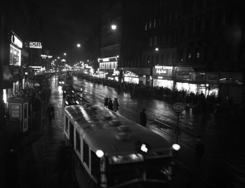 Wien 6., Mariahilferstraße von United States Information Service