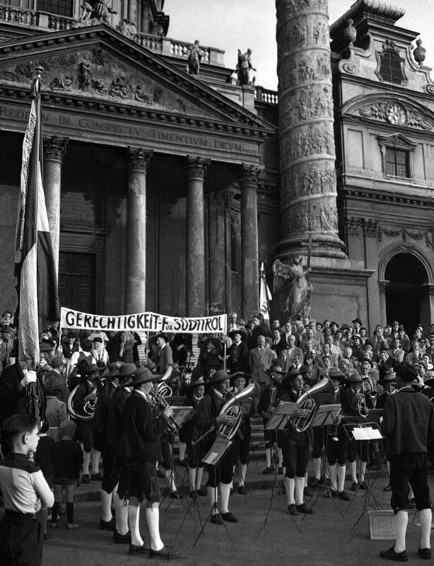 Kundgebung für die Autonomie Südtirols in Wien: ... von United States Information Service