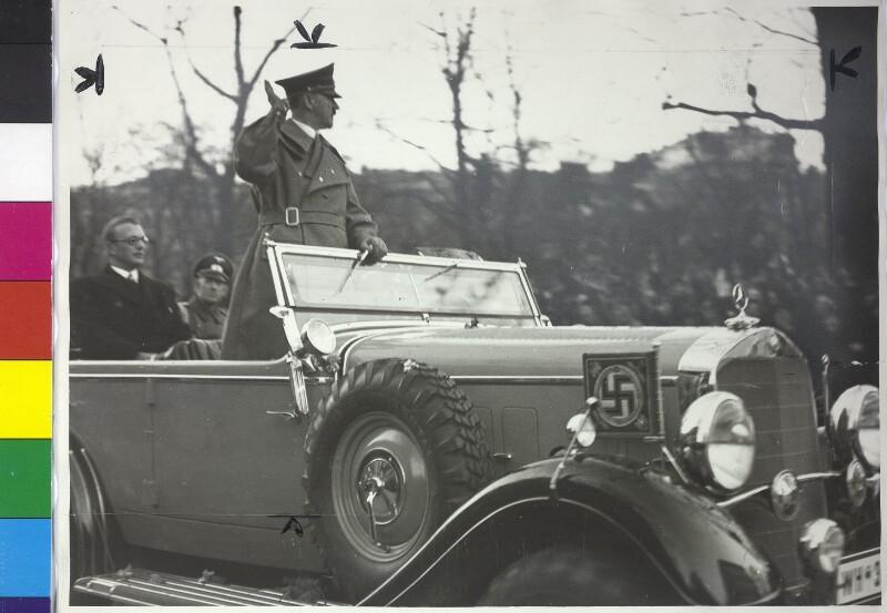 Hitlers Einzug in Wien von Polyphot