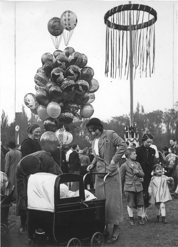 Erster Mai 1938 in Wien von Weltbild